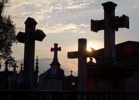 Choisir l'inhumation ou l'enterrement
